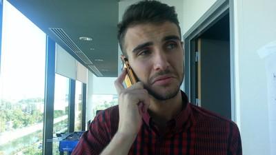 Am stat două săptămâni c-un telefon ca-n anii 2000, în România dependenților de smartphone
