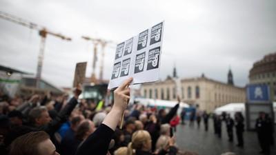 So hilflos reagiert die Polizei Sachsen auf den Pegida-Mob