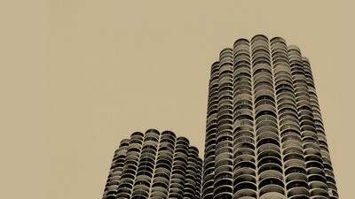 The Wilco Towers: How 'Yankee Hotel Foxtrot' Redefined the Chicago Skyline