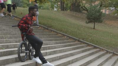 BMX'er Nigel Sylvester praat over competities, racisme en zijn opvoeding