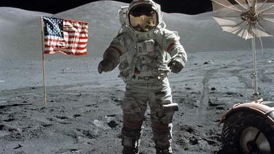 Der Weltraum-Truther, der einen Astronauten zum Kinnhaken zwang