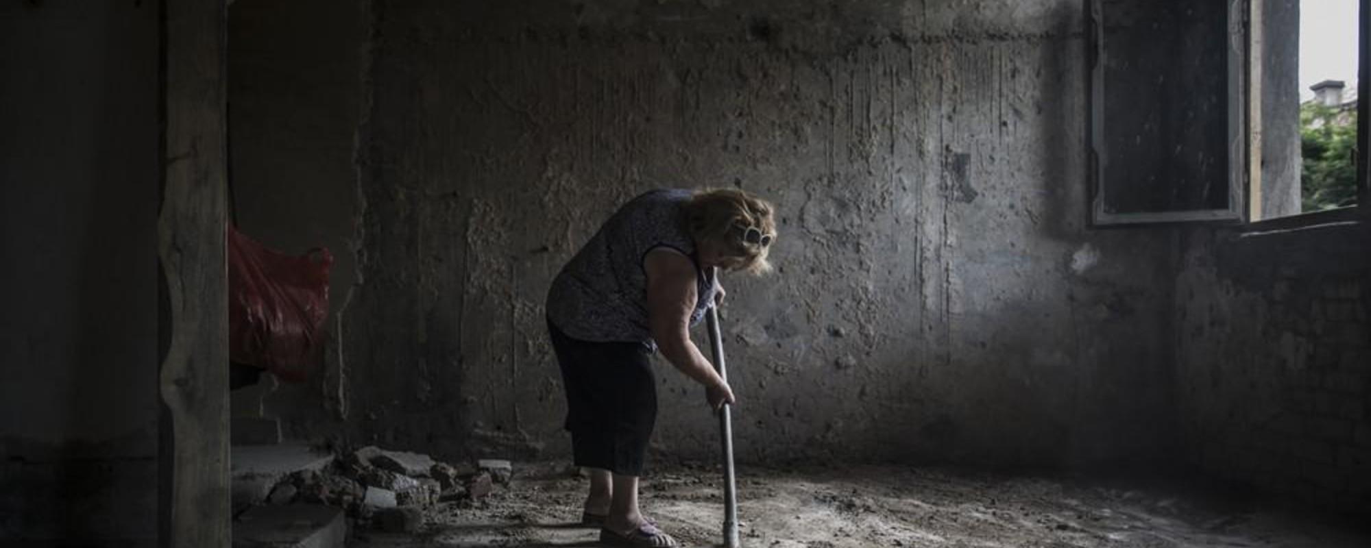 Fotografii cu familiile care locuiesc într-un spital abandonat din Georgia