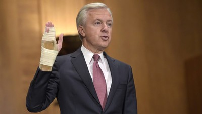 Wells Fargo Chief Steps Down in Response to Fake Account Scandal