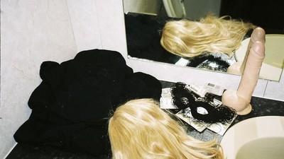 Fotos NSFW das orgias secretas em hotéis baratos na Inglaterra