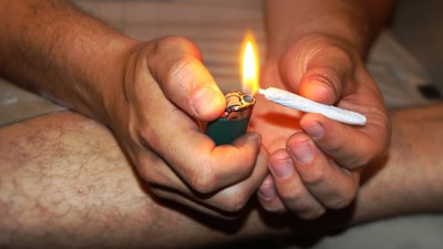A Study Claims Long-Term Weed Smoking Lowers Your Bone Density