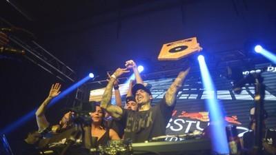 A Cinara Martins bobeou e o DJ A faturou o Campeonato de DJs RedBull ThreeStyle 2016