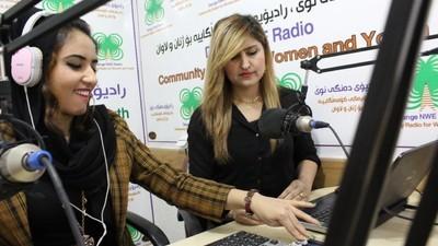 Die Flüchtlinge, die mit einem Frauenradio im Irak gegen Islamisten kämpfen