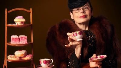 Fotografii cu femei la 60 de ani care se simt din nou în centrul atenției