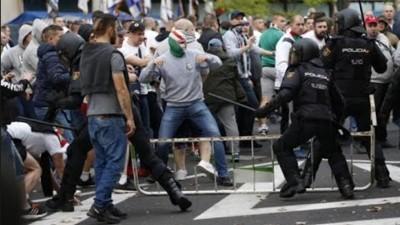 Gli ultras del Legia Varsavia hanno seminato il caos a Madrid