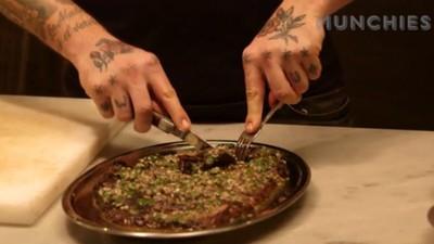 Cum să faci friptură de vită cu vinegretă din grăsime afumată