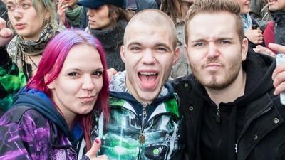 """""""Friedlich Reiern"""", Gentrifizierung wegbassen: Die Fuckparade ist eine Demo wie keine andere"""