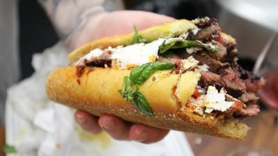 Action Bronson te învață cum să faci cel mai bun sandviș din univers