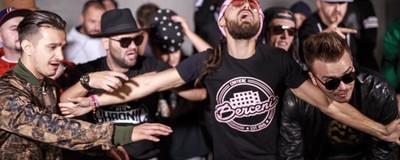 Opt trupe și artiști din România care se chinuie să copieze Șatra BENZ (și dau greș)