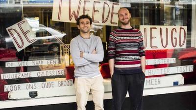 Twee Amsterdamse jongens willen dat we oud brood gaan opeten