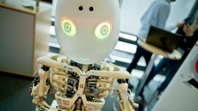Incluso Stephen Hawking desconfía de la Inteligencia artificial