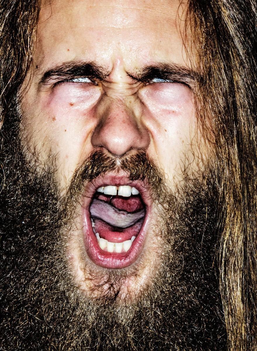 Brute portretten van brullende Noorse metalbekken
