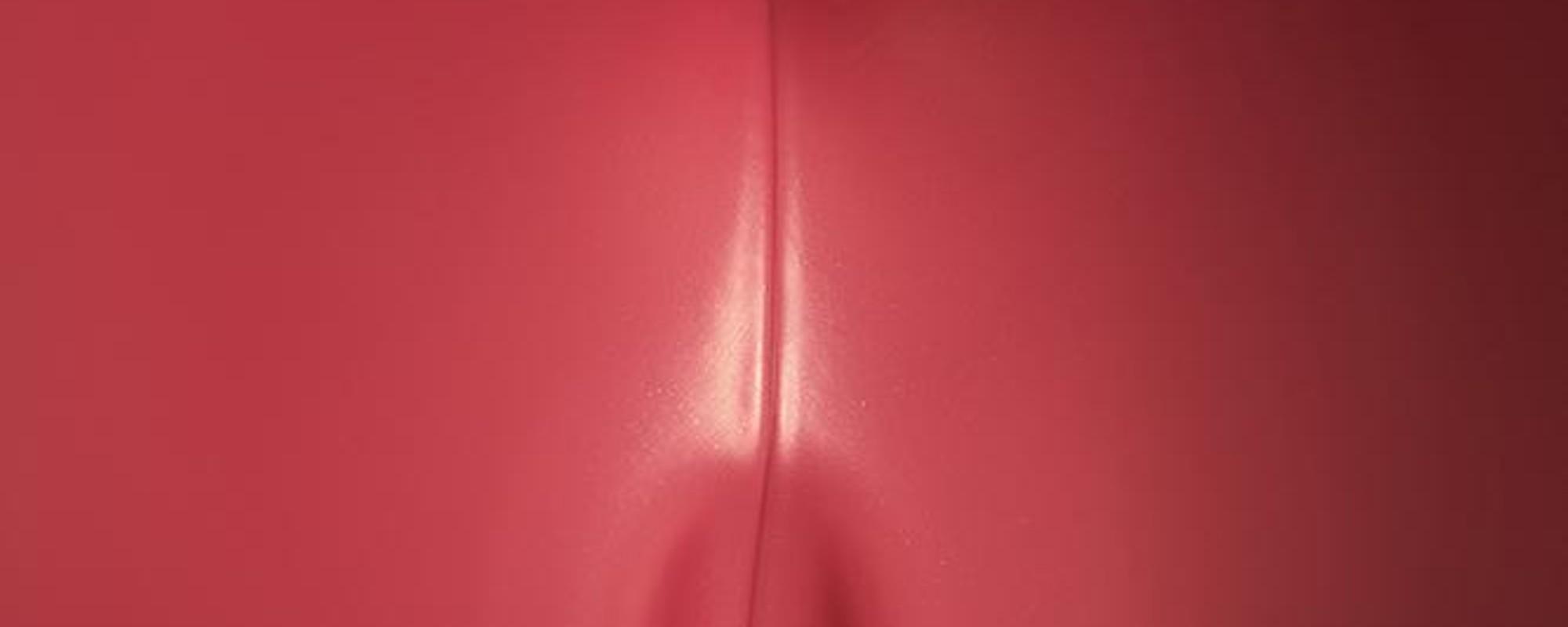 La extraña sensualidad de las regaderas de plástico