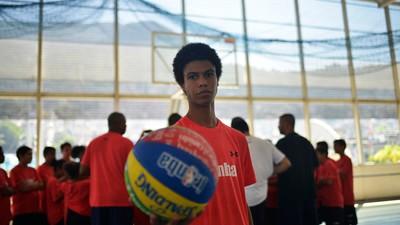 VICE 360: Por dentro da escola da NBA na Rocinha