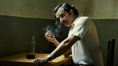 Watch an Exclusive Behind the Scenes Look at Pablo Escobar's Death on Narcos