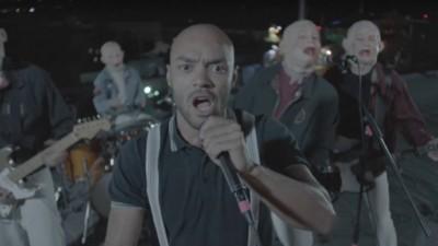 """Tarek K.I.Z. trifft Deutschpunk – """"Schmetterling"""" von Terrorgruppe ist heute das beste Musikvideo der Welt"""
