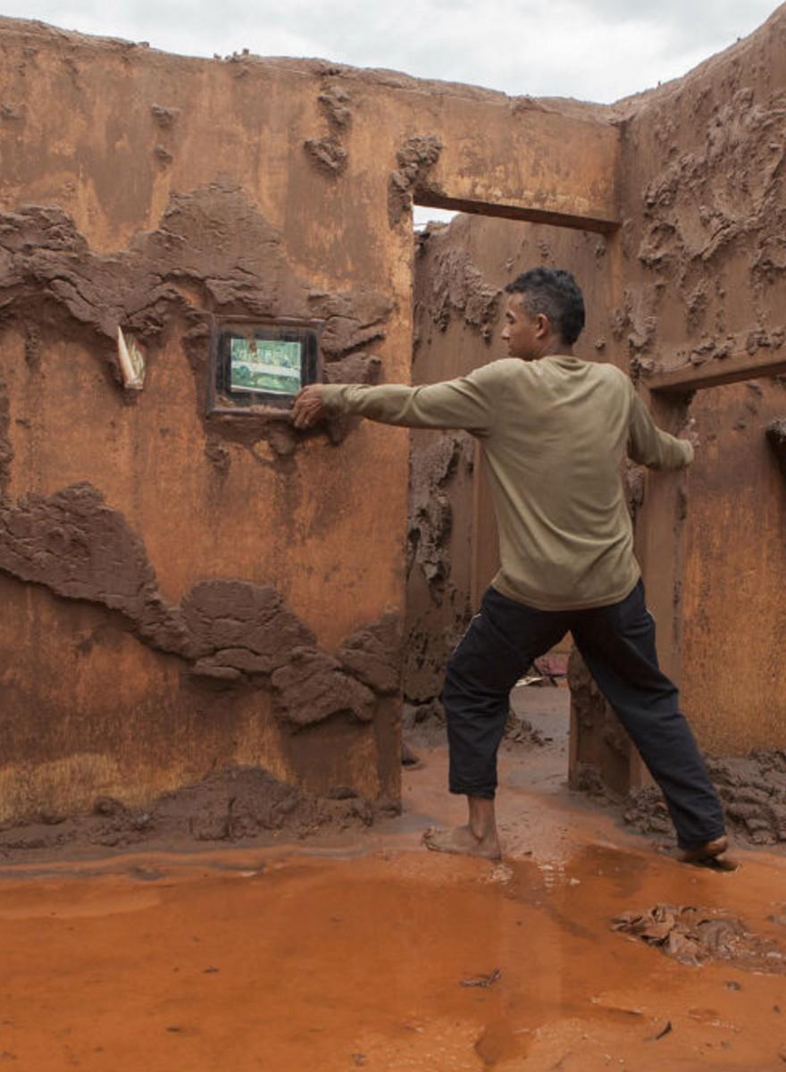 """""""De Regência a Mariana"""" reúne imagens do maior desastre ambiental já registrado no país"""