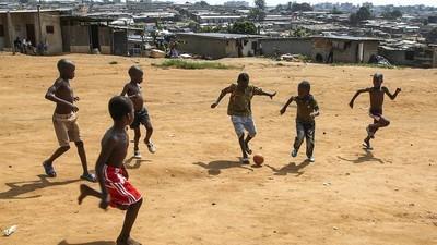 Rencontre avec le journaliste qui a enquêté sur le trafic de jeunes footballeurs