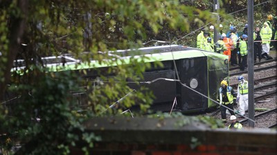 Several Are Dead and 50 Are in Hospital After a Tram Overturned in Croydon