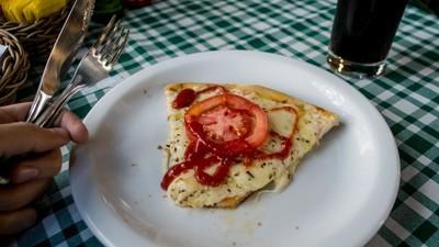 Procon Fortaleza proíbe cobrança de pizza de dois sabores pelo mais caro