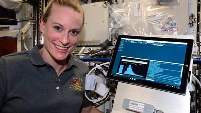 Astronauta asta de la NASA mi-a povestit cum e să trăiești în spațiu