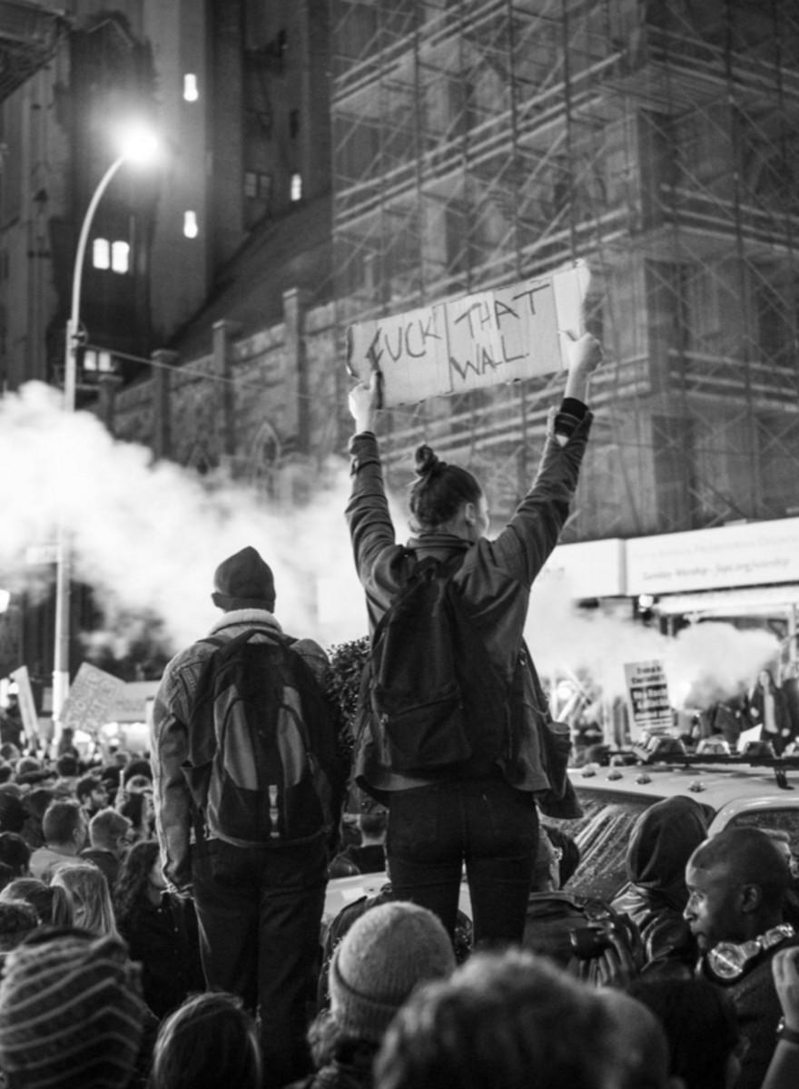 Foto della protesta sotto la Trump Tower dopo le elezioni