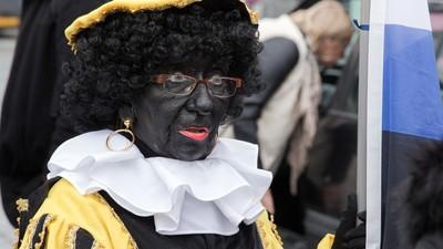 Foto's van de Pegidademo vóór Zwarte Piet in Den Haag