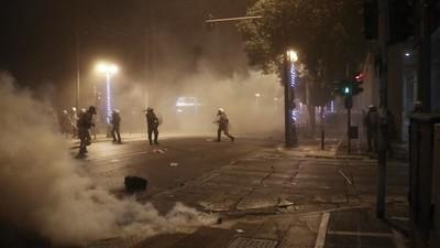 Athene verwelkomde Obama met molotovcocktails en traangas
