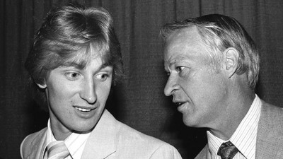 Throwback Thursday: Mr. Hockey and The Great One Square Off in NHL for First Time