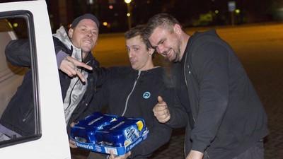 Ik reed een nachtje mee met de biertaxi in Amsterdam