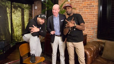 Desus and Mero Weigh in on the Canned or Fresh Cranberry Sauce Thanksgiving Debate
