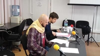 Dacă crezi că jobul tău e nașpa, ăia de la Radio România au hăituit niște angajați șapte luni