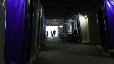 La vie s'organise dans le premier centre d'accueil pour migrants de Paris
