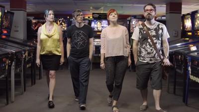 """SuperHyperCube"", o jogo retro-futurista de Realidade Virtual que levou sete anos a criar"