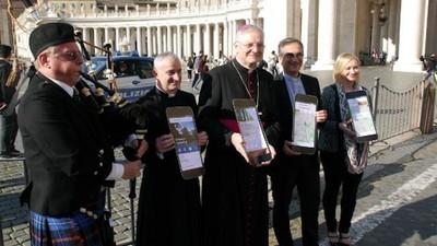 Katolicka apka pomoże ci odpokutować tinderowe grzechy