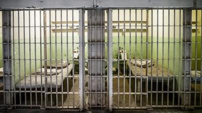 Condițiile nasoale din penitenciare îi scutesc pe deținuții români de închisoare