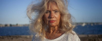 A fotógrafa que documenta sua mãe bipolar