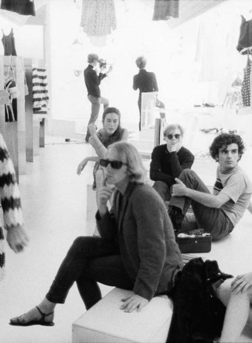 Fotografias da época mais criativa da Factory de Andy Warhol