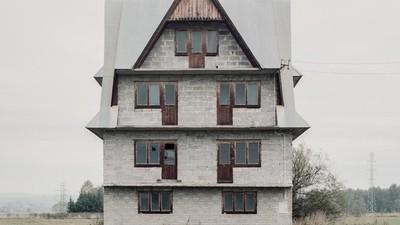 Fotos von den unfertigen Häusern polnischer Auswanderer