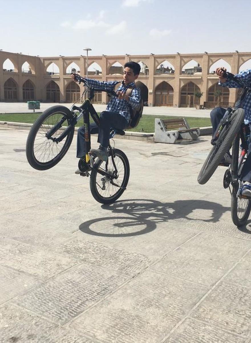 Mullahs, Skateparks und Designer-Imitate – unterwegs im modernen Iran