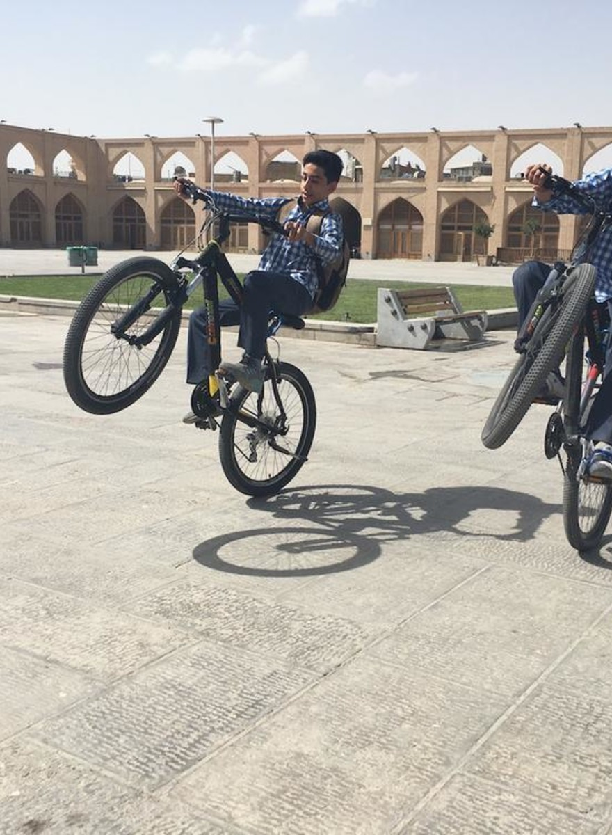 Moellahs, skateparken en merkkleding: een kijkje in modern Iran