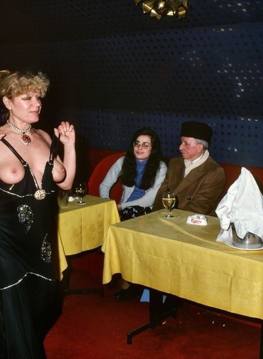 Seedy, Stunning NSFW Photos from 1970s Paris Strip Clubs