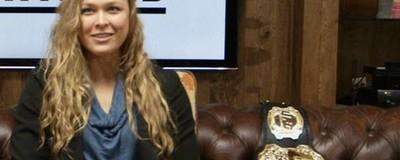 H Ronda Rousey Είναι η Αδιαμφισβήτητη Πρωταθλήτρια στο ΜΜΑ και τα Λέει Χύμα