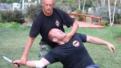 Systema: Die russische Kampfkunst, die dich auch ohne Berührung auf die Matte schickt
