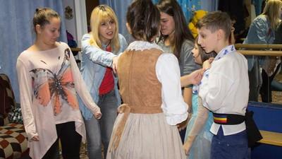 Copiii ăștia instituționalizați din București fac un show care merită banii tăi mai mult decât Bănică Jr.