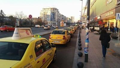 Am întrebat taximetrişti bucureşteni de ce au aruncat cu ouă în şoferii Uber